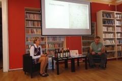 Knihovna_kacina_HUS_Hlizov2