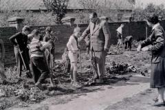 1961_ ředitel školy Novák učitelka Slonková Emilie